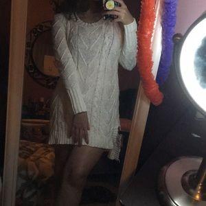 White long sleeve crotchet dress 👗